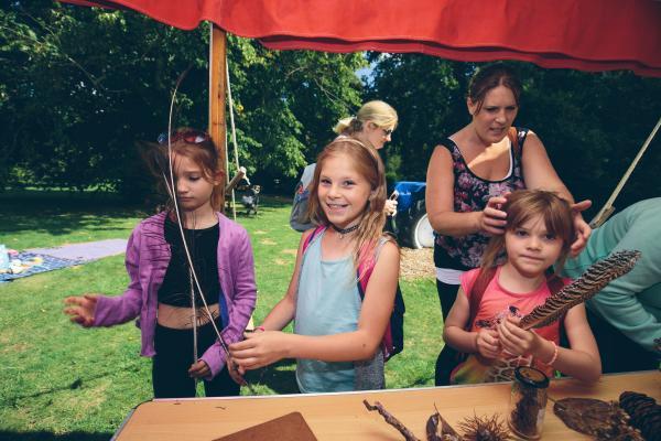 Arboretum Family Children Crafting (Wallman Lo Res)